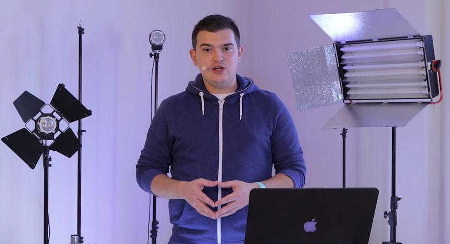 illustration de l'article vidéo sur le rôle du réalisateur de clip extrait de la formation gratuite sur la réalisation de clip