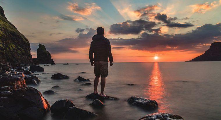 """Illustration de """"11 astuces pour filmer de magnifiques couchers de soleil"""""""