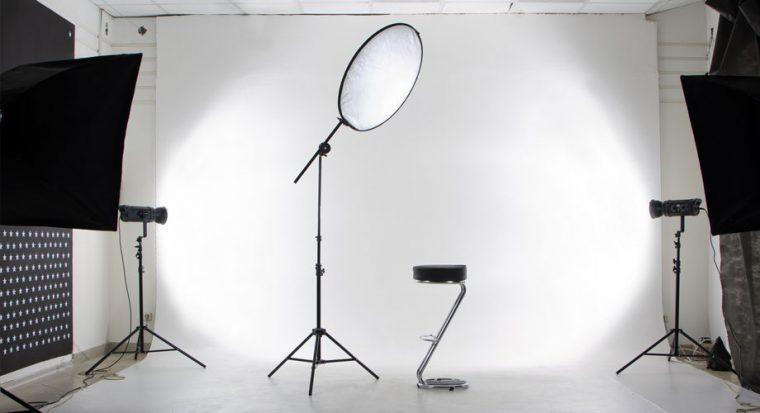 Illustration de Comment fabriquer ses propres réflecteurs pour la video production